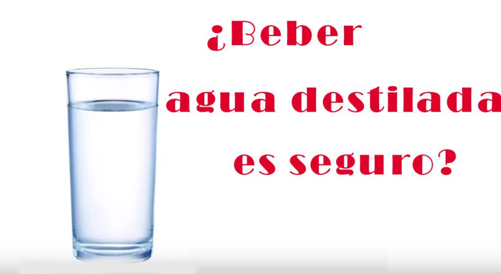 beber agua destilada