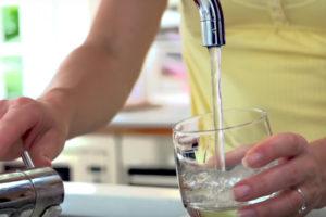 salud y agua del grifo
